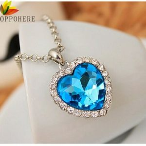 Jewelry - Beautiful Titanic Heart of the Ocean Necklace